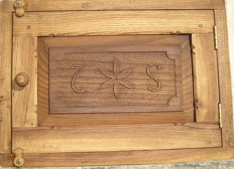 Puerta de contador de negrillo (olmo)