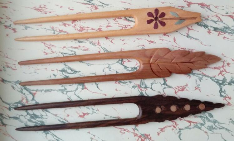 Agujas de madera de espino, de cerezo y de nogal